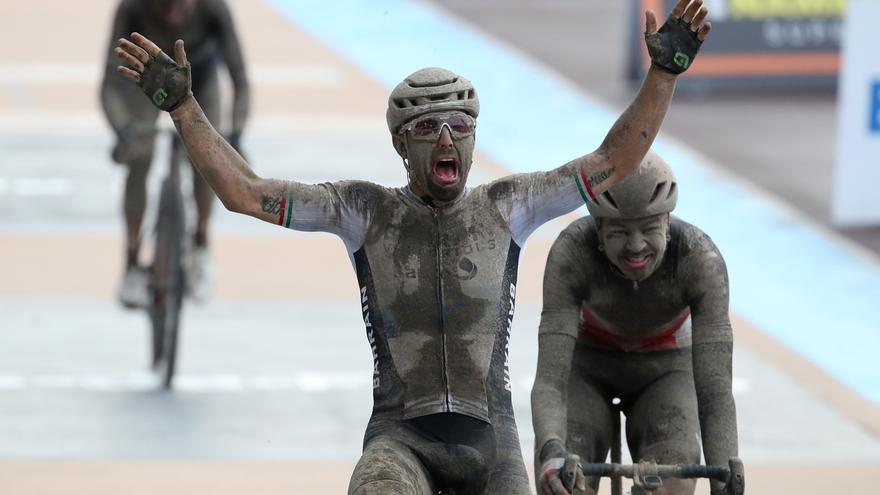 Colbrelli se corona en una París-Roubaix cargada de épica