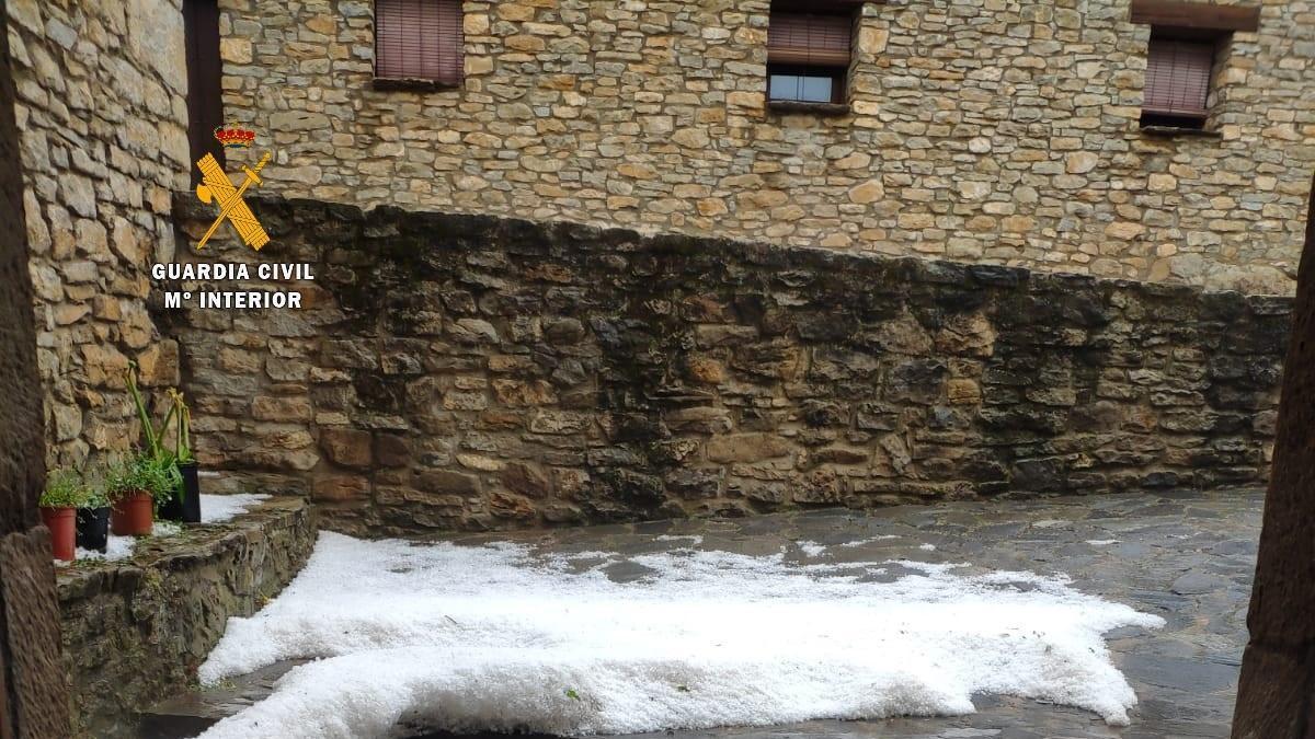 Tormenta de granizo en Rodellar (Huesca).