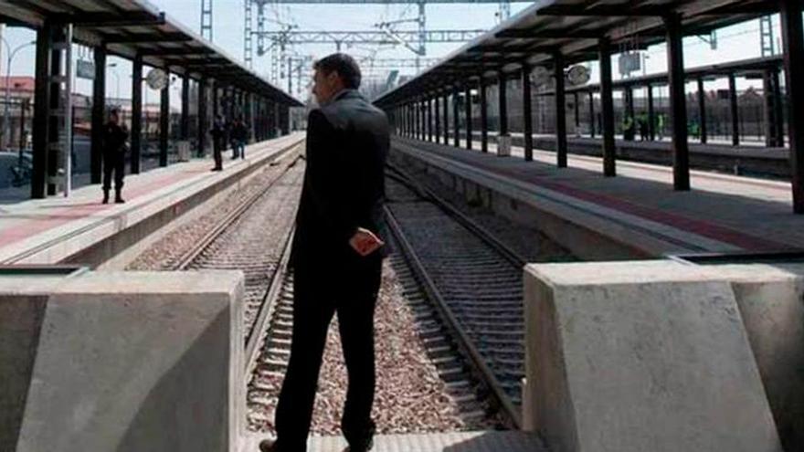 Los asturianos dejarán en tres meses de tener que viajar marcha atrás en tren hasta León
