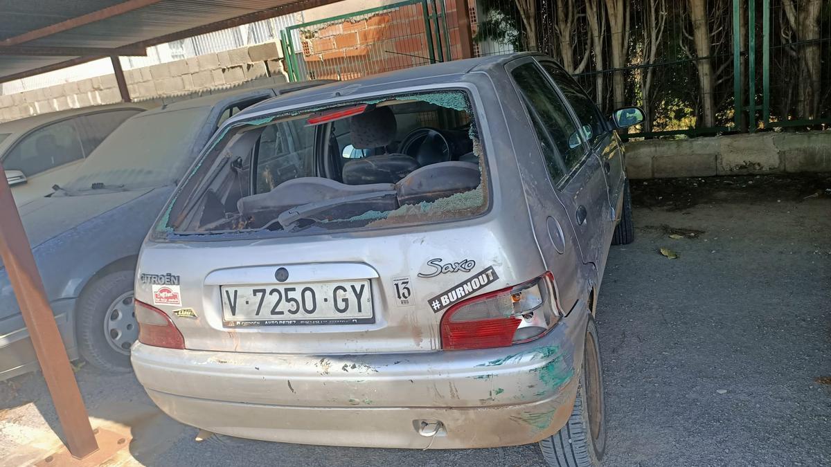 Roban un coche en Castelló y lo dejan en el Grau destrozado