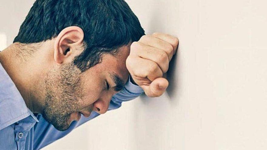 El 65% de la població presenta símptomes de quadres depressius a causa del confinament