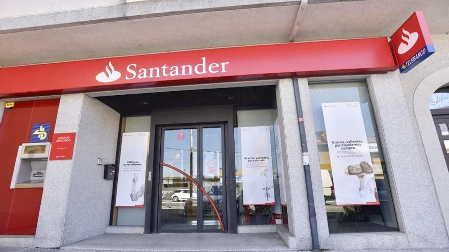El nuevo ERE en Santander supondrá el cierre de 79 oficinas en Galicia, el 33,76% de la red actual, según la CIG