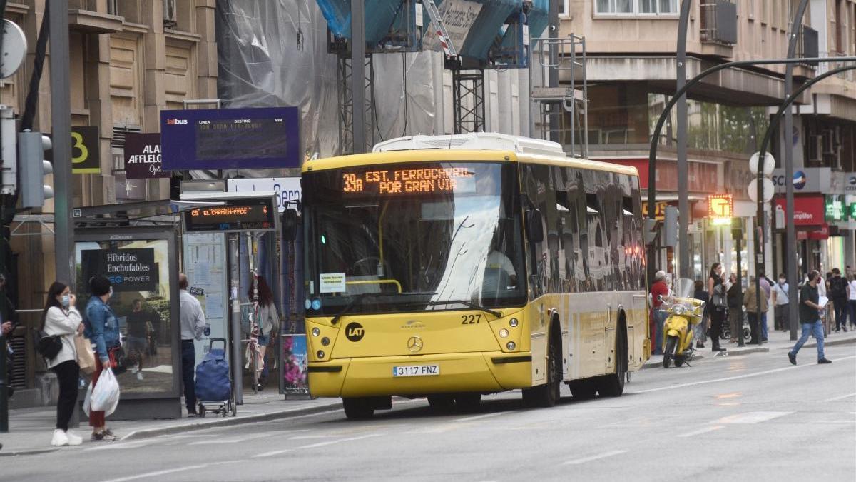 Mantienen la huelga de Latbus tras el fracaso de la mediación