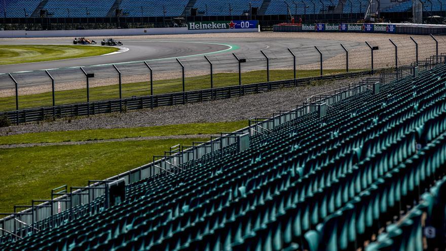 Hamilton busca en casa recortar distancias a Verstappen, con el estreno de la calificación al sprint