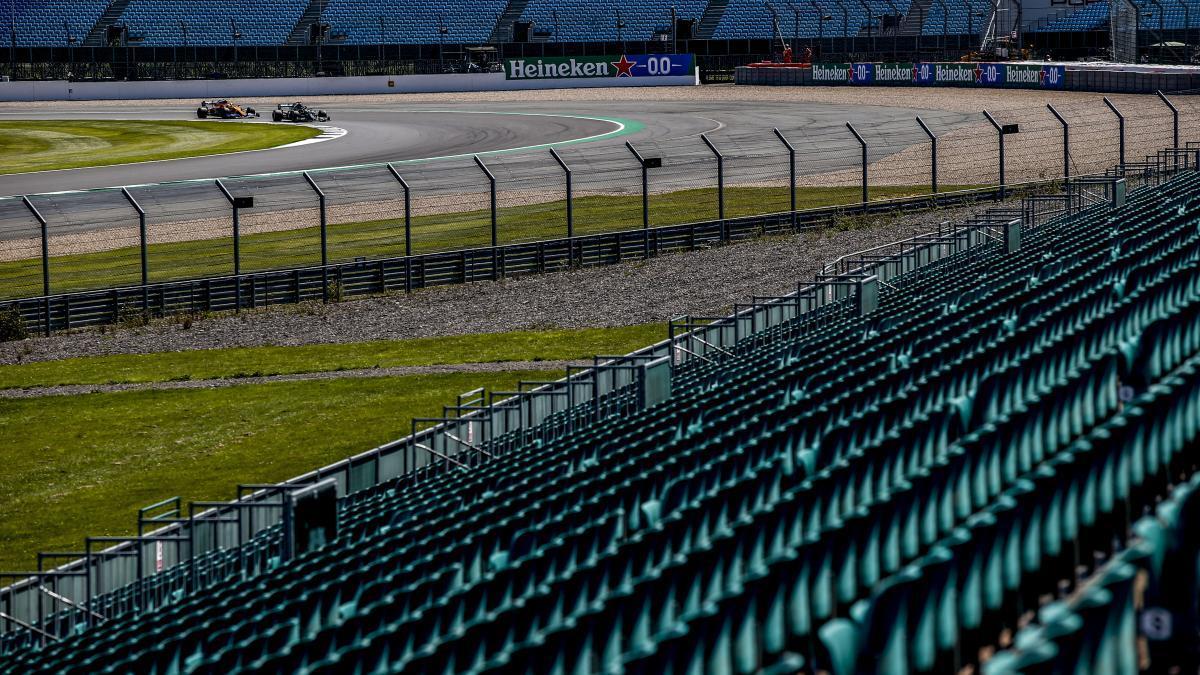 Gradas vacías del circuito de Silverstone durante el GP de Gran Bretaña de 2020