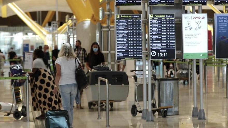 El Gobierno prorroga las restricciones para viajar a España hasta el 31 de octubre