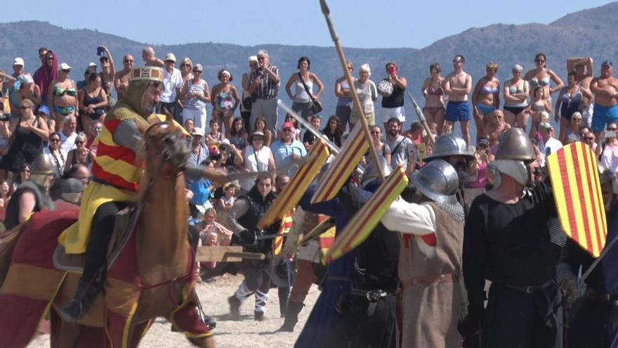 Empuriabrava recrea en una espectacular batalla la invasió francesa del 1285
