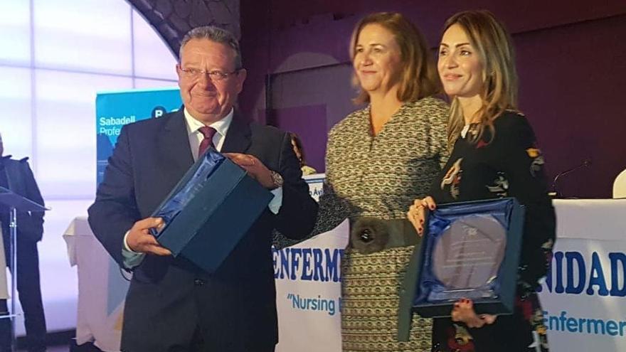 El Colegio de Enfermería reconoce la labor del Hospital de la Vega Baja en la DANA