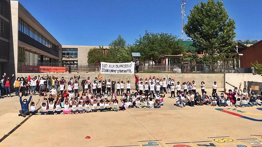 Fontanars alega contra la supresión de una unidad de infantil y dos docentes