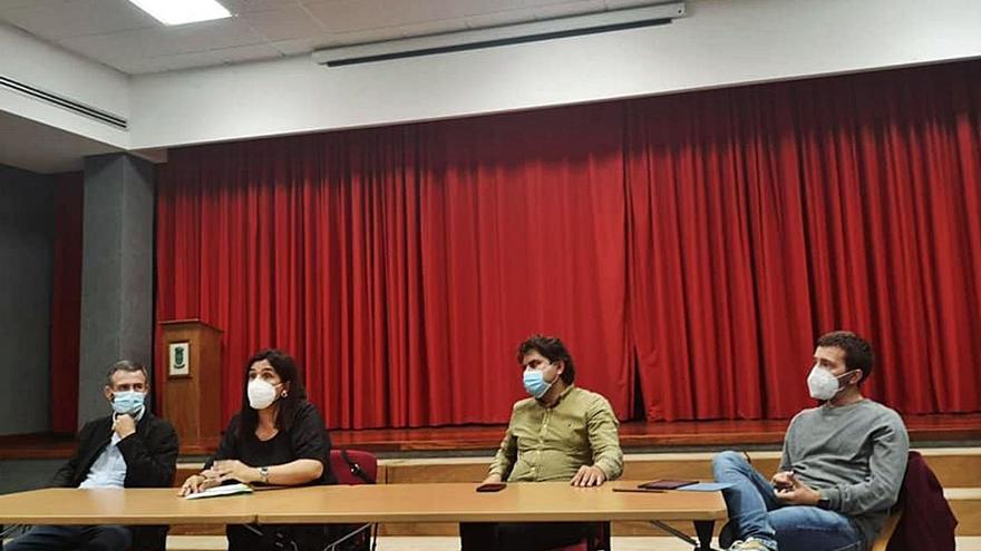 El proyecto eólico del Castrove genera rechazo en los concellos y dudas entre los comuneros