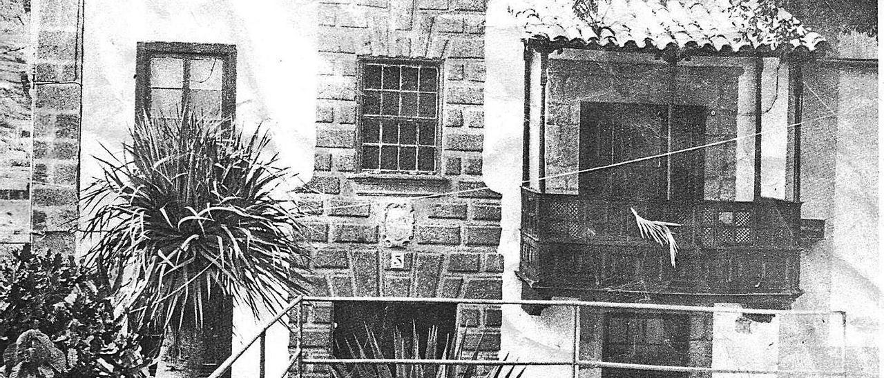 La conocida como «Casa de los Quintana», en cuyo solar estuvo a partir de 1526 la vivienda del primer alcalde de Guía. | | LP/DLP