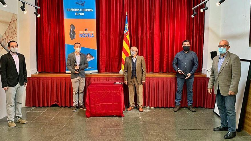 La poesía se estrena  en los premios literarios del Piló  de Burjassot