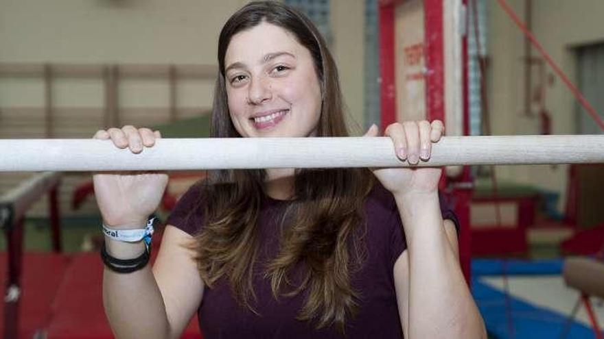 Zeltia García, jueza internacional de gimnasia, entrenadora y concejal en Sada