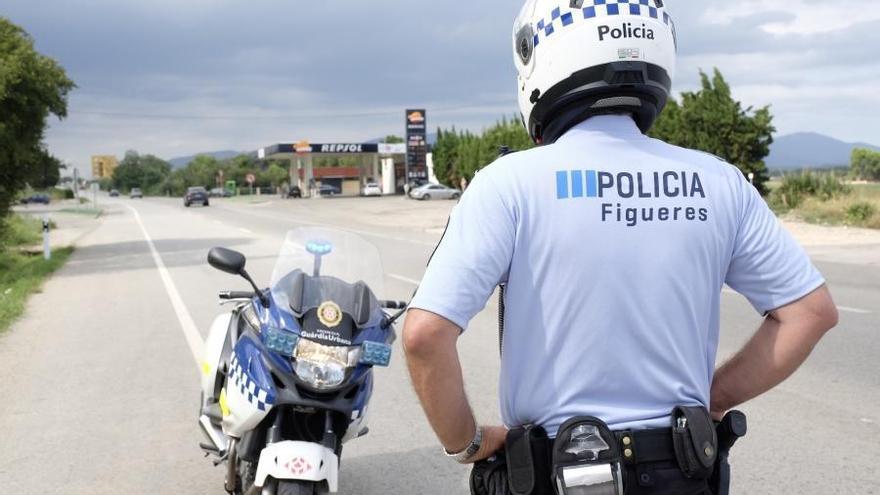 La Guàrdia Urbana comissa 15 targetes de pàrquing de minusvàlids per ús fraudulent