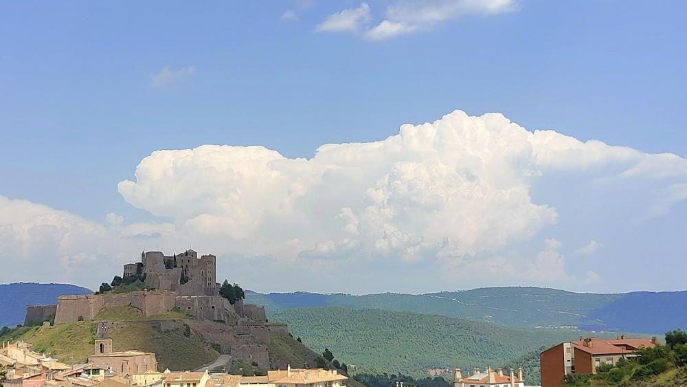A Cardona, les nuvolades creixen molt ràpid.