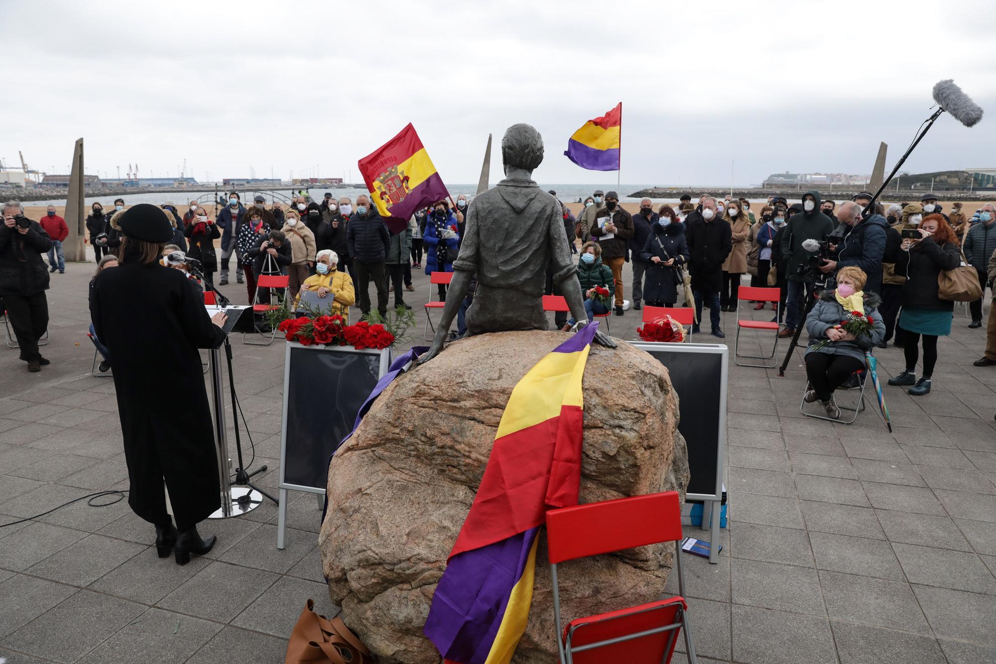 Homenaje en El Arbeyal a Araceli Ruiz, ni�a de la guerra (7).jpg