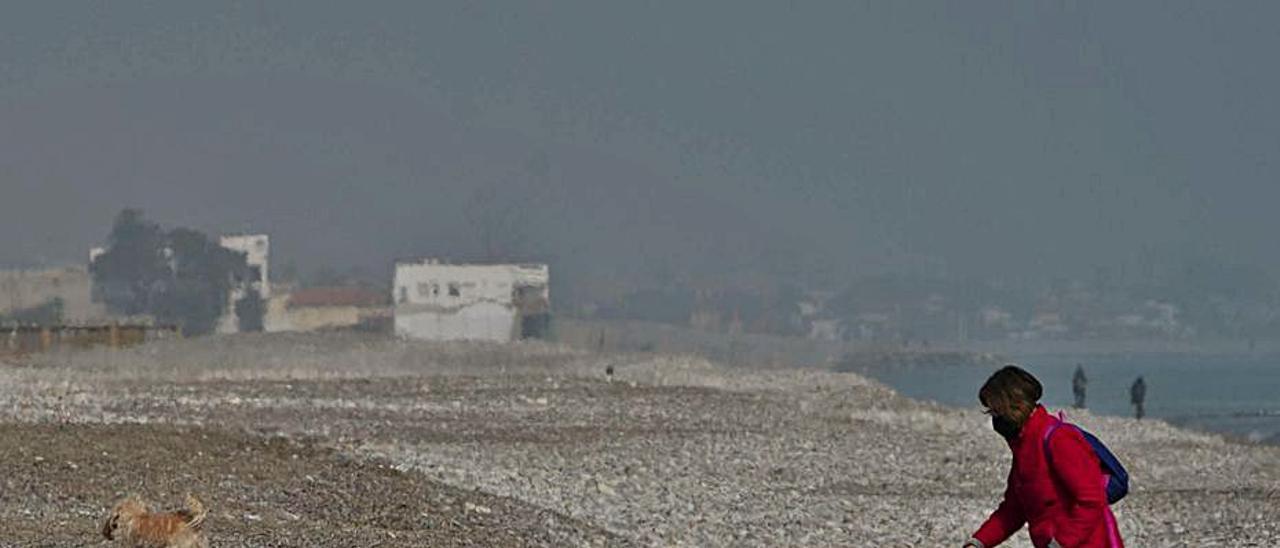 Imagen de la playa de Almardà. | DANIEL TORTAJADA