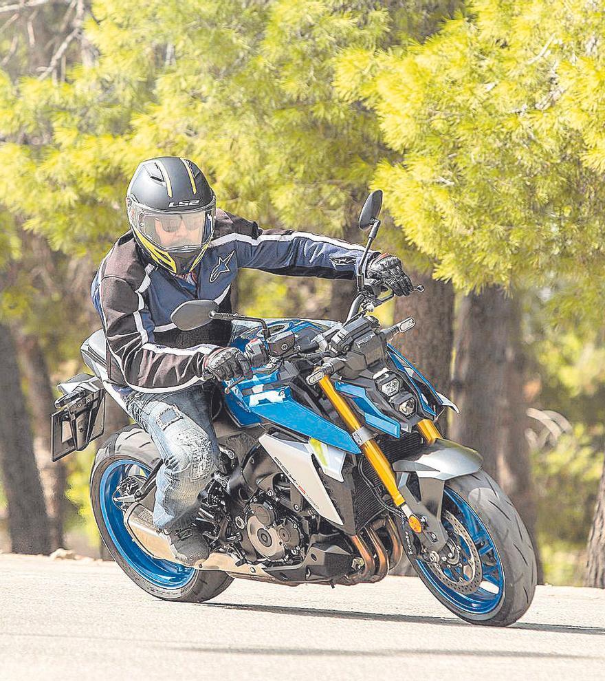 SUZUKI GSX-S1000, ¡Versátil, ágil, rápida y para todos los días!