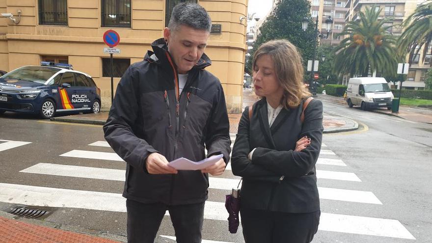 Podemos pide al Principado la retirada de las placas franquistas de Oviedo