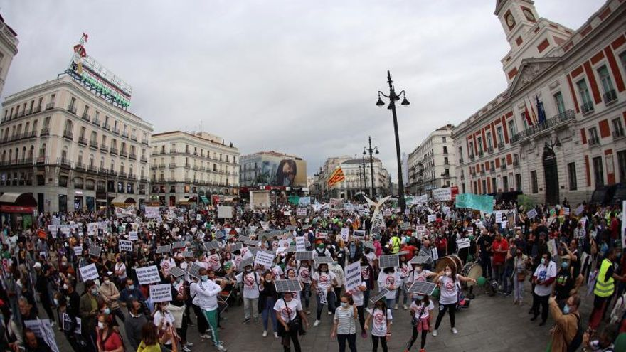 """Clamor rural en Madrid contra la """"invasión renovable"""""""