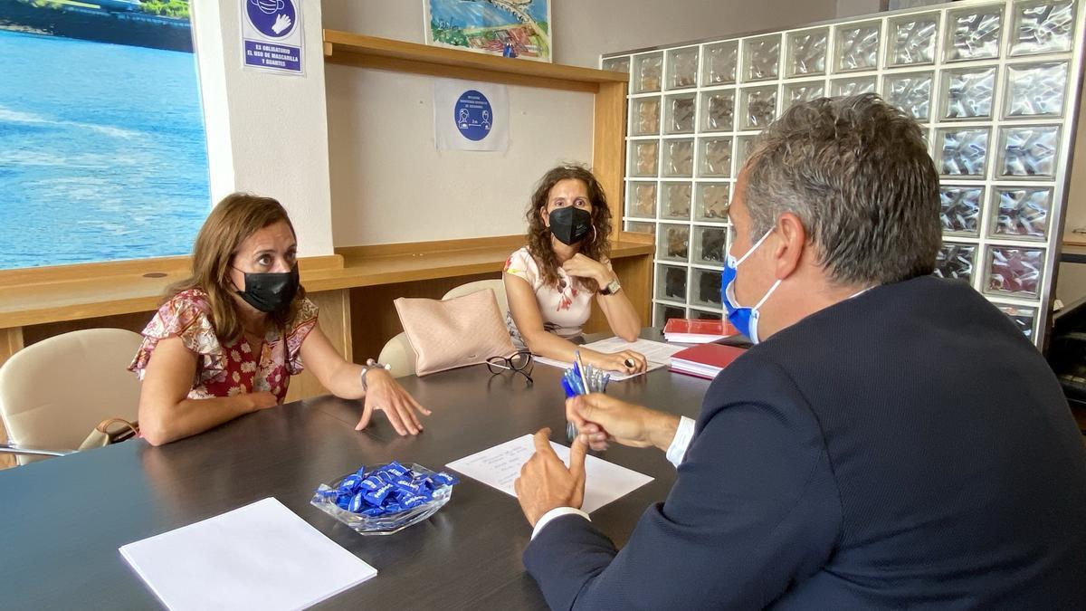 Reunión de Domínguez con los feriantes
