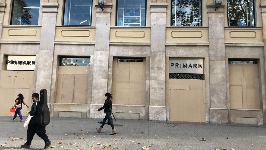 La venta de moda se desploma el 26,4%, y el sector ingresa 4.000 millones menos que el año pasado