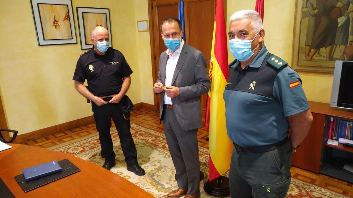 Blanco con los jefes de la Policía Nacional y la Guardia Civil