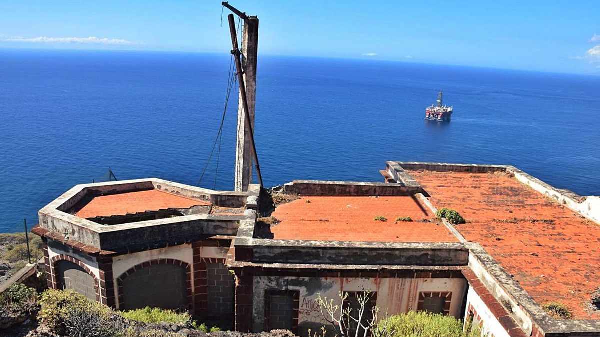 El histórico Semáforo de Anaga, en Santa Cruz de Tenerife.     E.D.