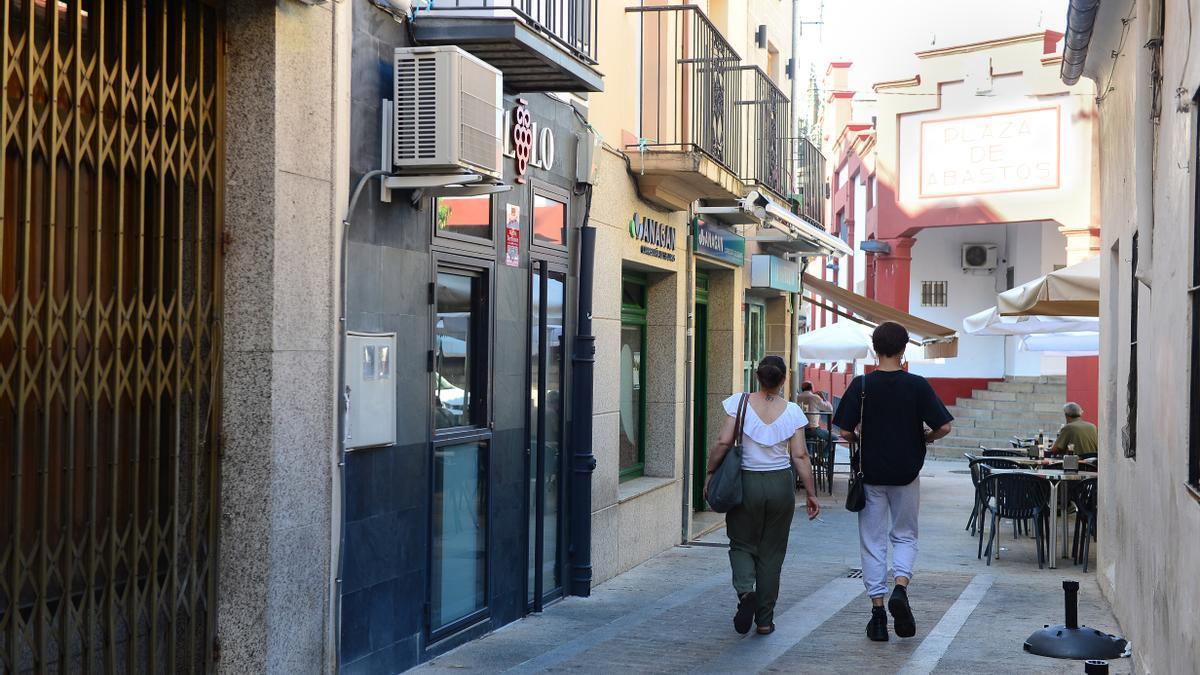 Calle Contador, donde la policía ha levantado acta a un bar.