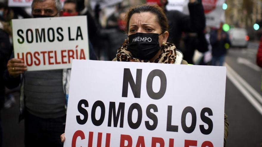 La economía y la COVID, principales problemas para los españoles