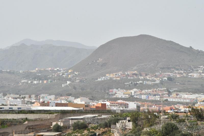 14/02/2020 TELDE.  Vistas del municipio desde Lomo Los Frailes con calima. MONTAÑA LAS PALMAS. Fotógrafa: YAIZA SOCORRO.  | 14/02/2020 | Fotógrafo: Yaiza Socorro