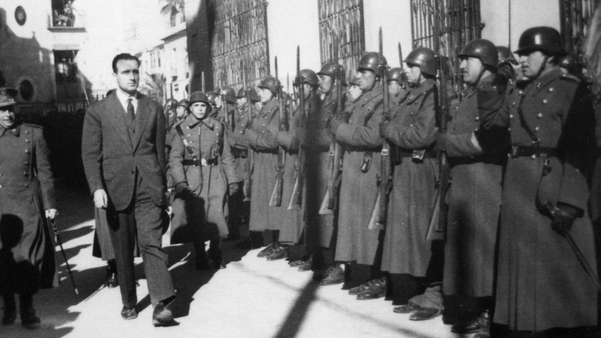 1952: visita del ministro de Educación Joaquín Ruiz-Giménez