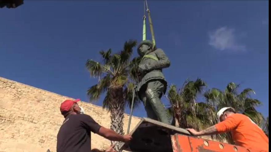 Retiran la última estatua de Franco que quedaba en España