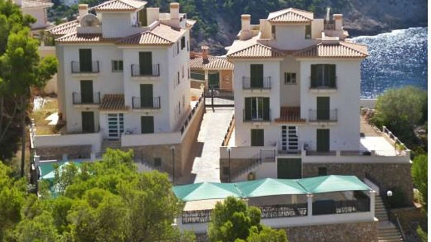 Andratx licita por 440.000 euros el derribo de las casas ilegales de Cala Llamp