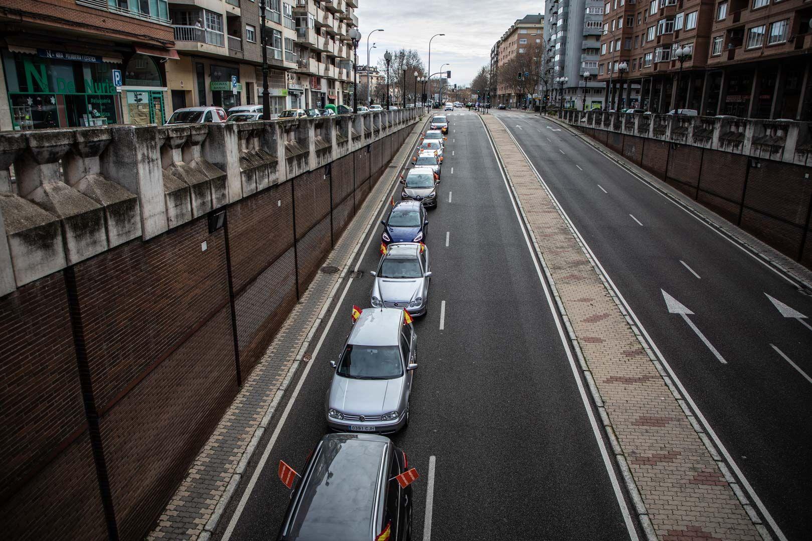 GALERÍA | Así se ha desarrollado en Zamora la manifestación en coche contra la Ley Celaá