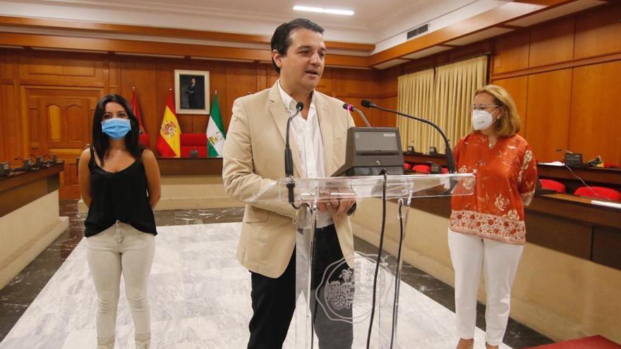 La concejala Laura Ruiz abandona la política municipal y entra Cintia Bustos