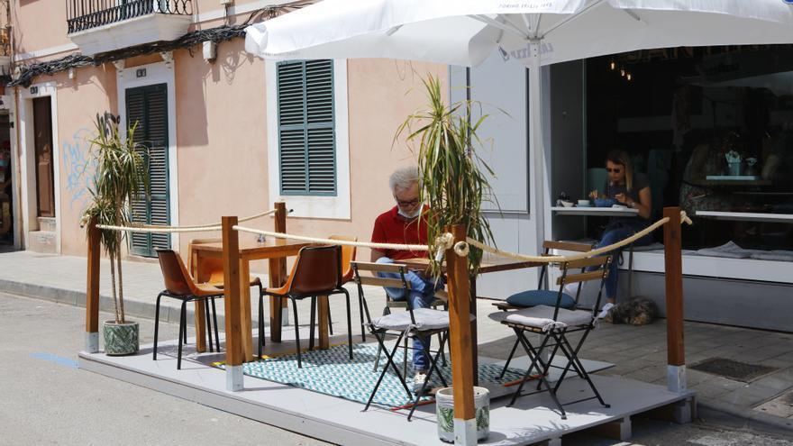 Unter dem Pflaster - Ein wehmütiger Rückblick auf die Corona-Cafés auf dem Parkstreifen in Palma de Mallorca