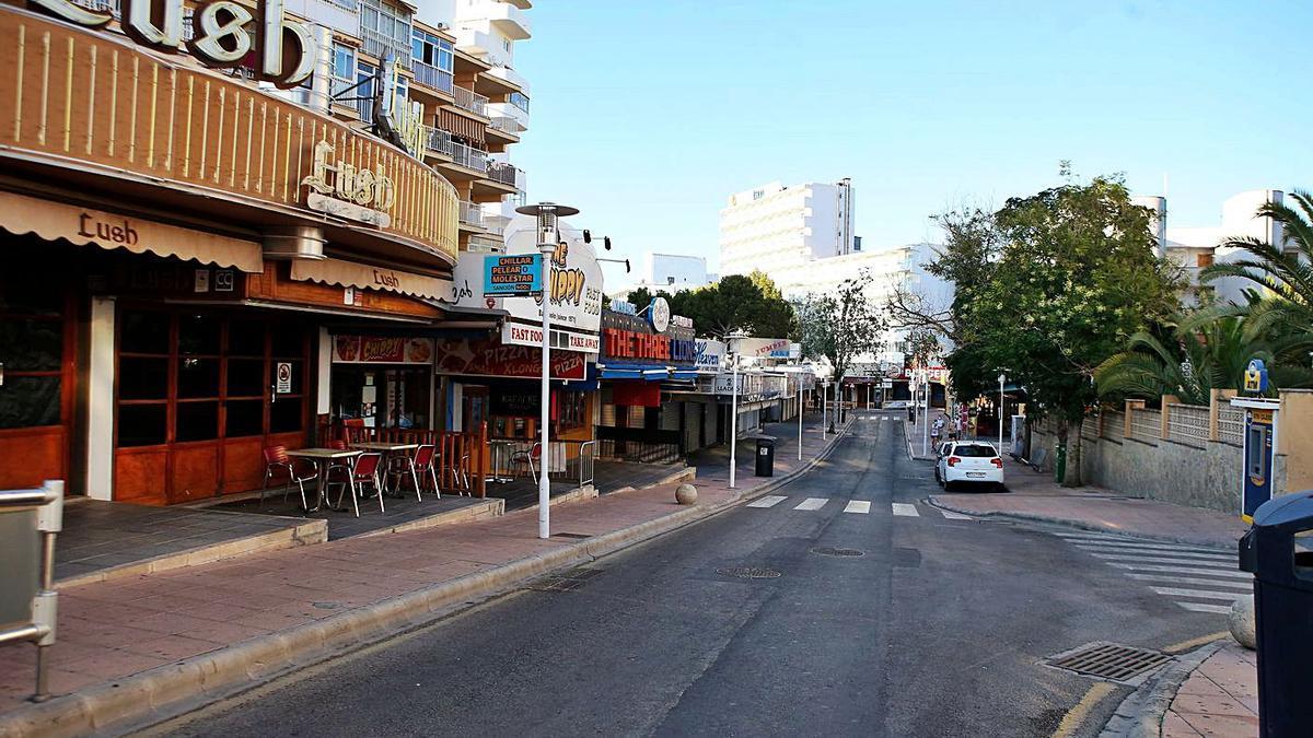 Magaluf ha presentado un aspecto desolado este verano por la falta de actividad turística.