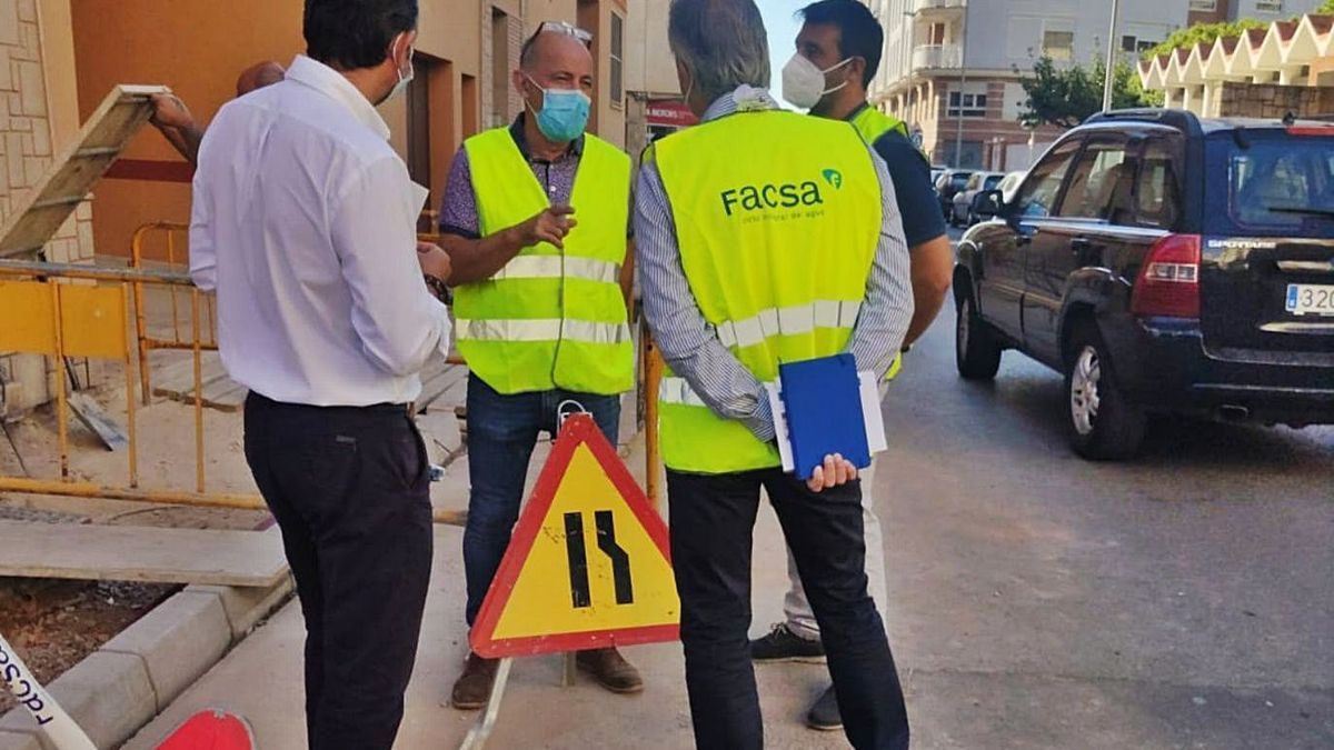 Facsa renovó el año pasado las canalizaciones en la calle Furs de València por los problemas que presentaban. | MEDITERRÁNEO