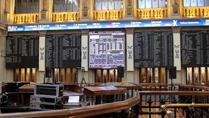 El Ibex cae en la apertura un 0,6% pendiente de la banca