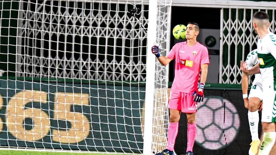 """Edgar Badía: """"El Villarreal es un gran equipo, pero el Elche puede competir ante cualquiera"""""""