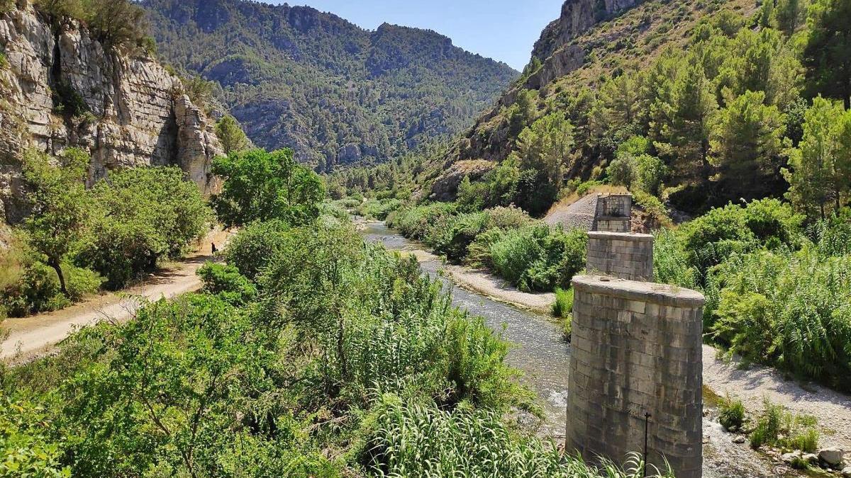 La asociación Alcoi-Gandia exige que no se destruya el patrimonio del ferrocarril