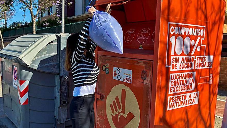 Un contrato a dedo para «salvar» los 300 contenedores de Proyecto Lázaro
