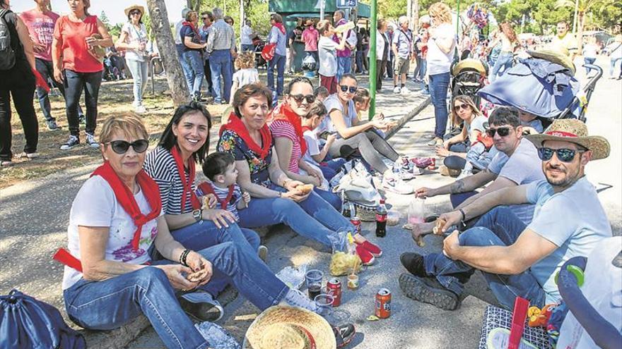 Almassora respira fervor en la romería a Santa Quitèria