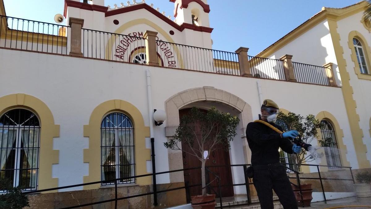 """""""Estamos bien"""": mensaje de alivio en la Residencia Hermanos Cholbi de Xàbia"""