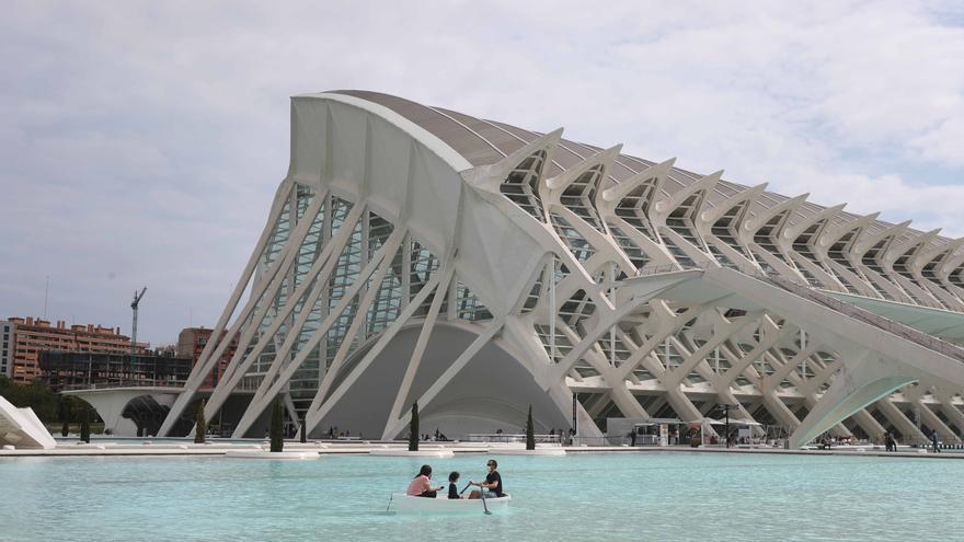 El visitante nacional atenúa la caída del turismo en València