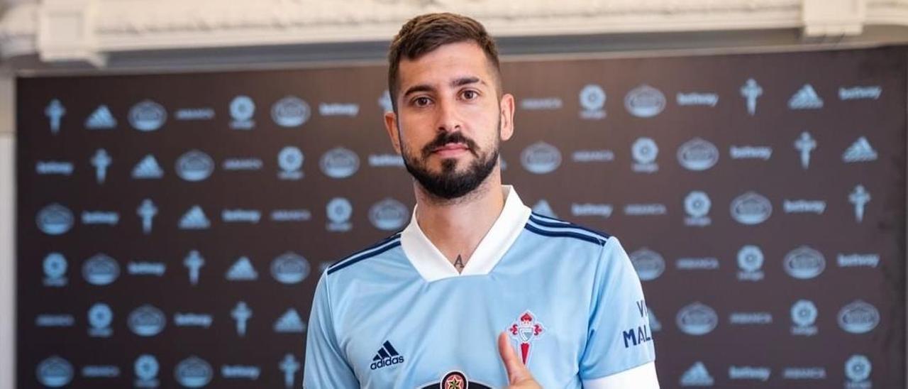Álvaro Vadillo, durante su presentación con el Celta
