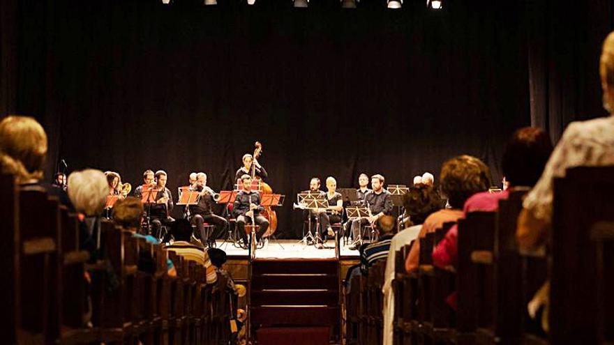 L'Aplec de sardanes del Roser de Martorell se celebra en format concert a El Progrés
