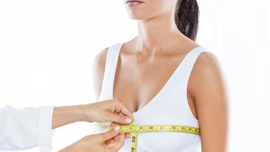 La reducción de mamas, la cirugía estética que más creció en el último año