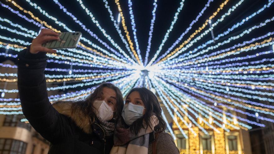 Zamora enciende las luces de la Navidad del COVID
